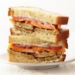 Сэндвичи с жареными в кляре зелеными помидорами