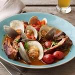 Суп из моллюсков с тушеными в пиве свиными ребрами