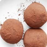 Шоколадно-малиновые трюфели с арахисовой пастой