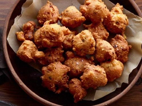 Кукурузные шарики с перцем халапеньо