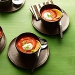 Томатный суп-пюре с перцем чипотле и кукурузными чипсами