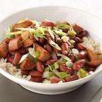 Красная фасоль с колбасой и рисом