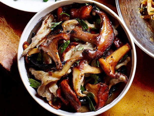 Фото Начинка для блинов с грибами и сливками