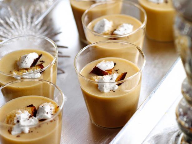 Суп - пюре из белой фасоли с беконом