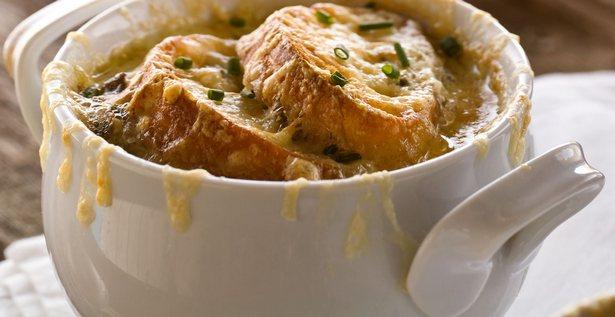 Французский луковый суп с грибами