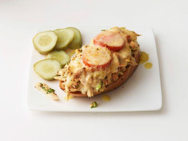 Фото Горячие сэндвичи с тунцом, хреном и майонезом
