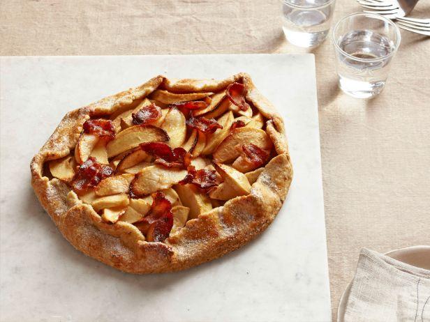 Галетта с яблоками и беконом