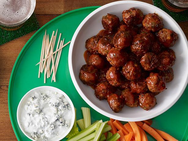 Фрикадельки Баффало с овощами