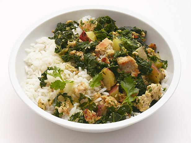 Фото Боул с индейкой, листовой капустой и рисом