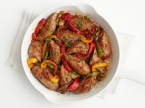 Фото Жареные колбаски из индейки со сладким перцем
