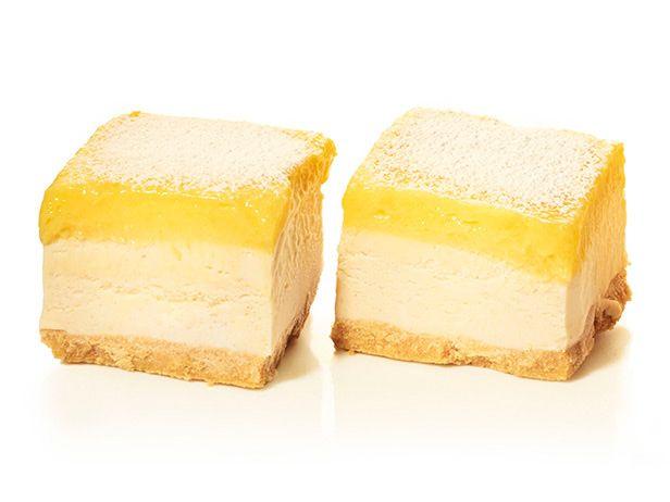 Пирожные с мороженым и лимонным кремом