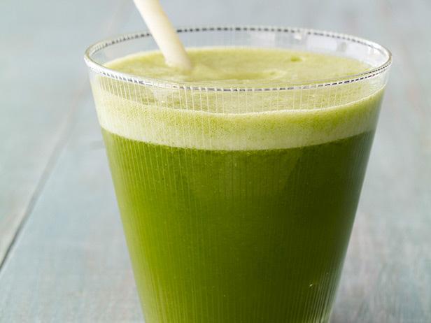 Фото Овощной сок из листовой капусты кале