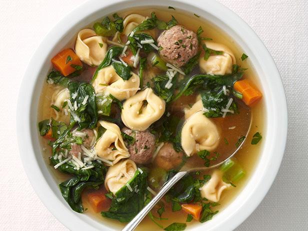 Суп с фрикадельками и тортеллини