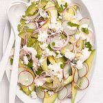 Салат с авокадо и редисом