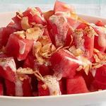 Фруктовый салат с арбузом и кокосом