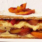 Торт Наполеон с печеными персиками