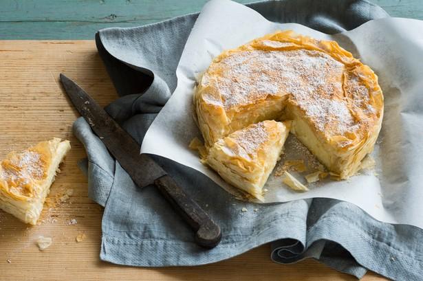 Фото Бугаца (Bougatsa) - греческий пирог с заварным кремом