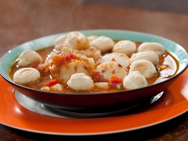 Фото Рыбацкий суп с треской и морскими гребешками