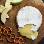 Запеченный сыр бри