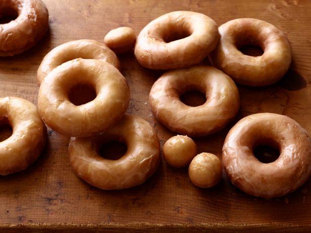 Пончики на дрожжах в глазури
