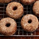 Яблочные пончики без дрожжей