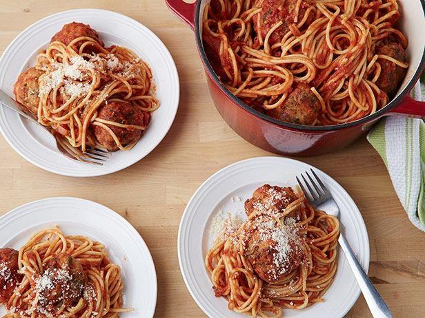 Острые фрикадельки из индейки со спагетти