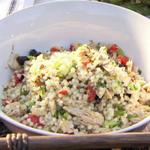 Салат с израильским кускусом и тунцом
