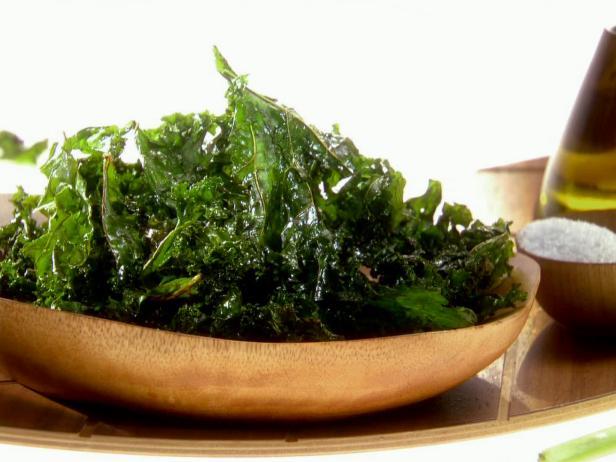 Хрустящие чипсы из листовой капусты кале