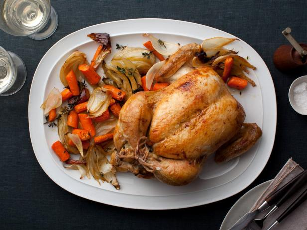 Запеченная курица с овощами