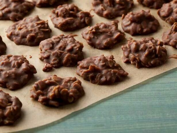 Фото Овсяное печенье без муки, из арахисовой пасты и шоколада