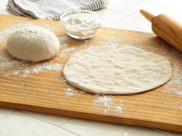 Простое тесто для пиццы