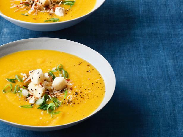 Суп пюре из запеченной мускатной тыквы с карри