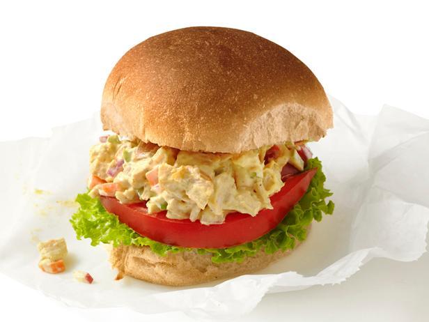 Сэндвич с салатом из курицы