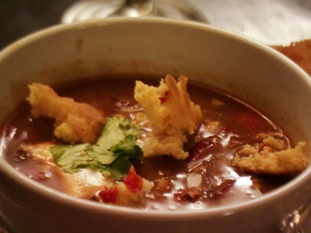 Тортилья-суп с курицей и фасолью