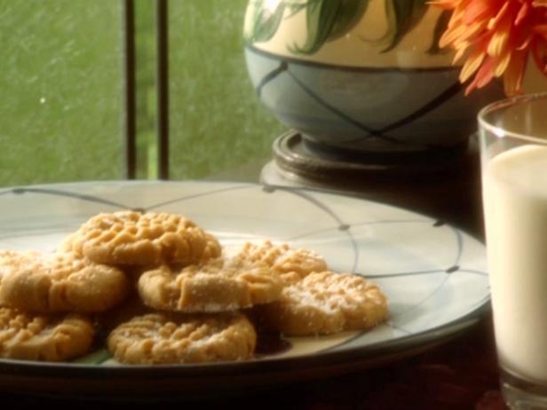 Фото Печенье с арахисовым маслом и конфетами