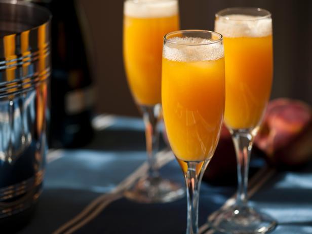 Персиково-имбирный коктейль «Беллини»