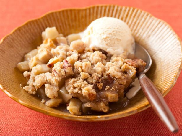 Яблочный крисп с орехами пекан
