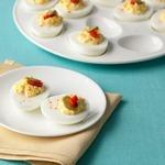 Фаршированные яйца с корнишонами