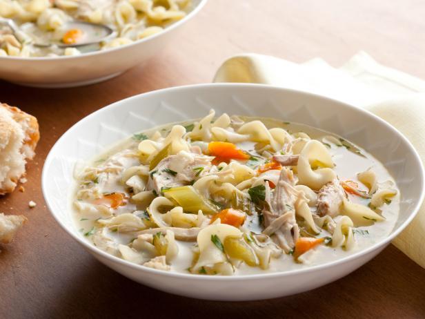карибский густой куриный суп.