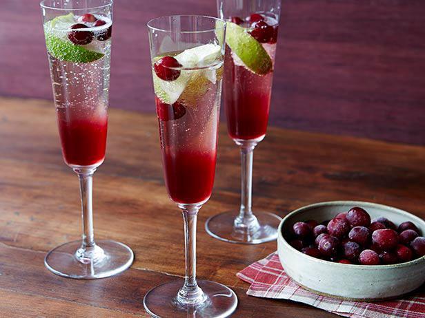 Клюквенный коктейль с шампанским