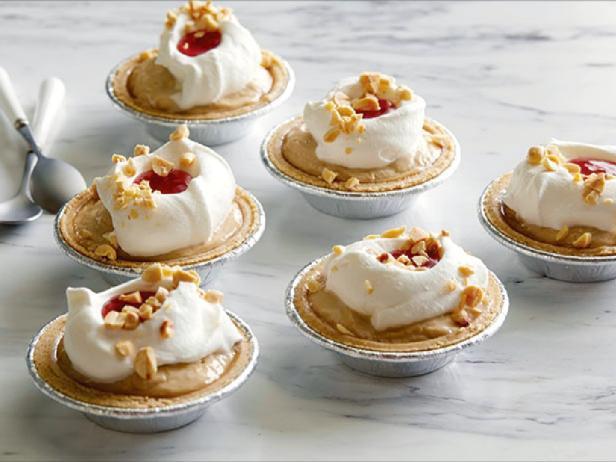 Пирог с арахисовым пудингом и джемом