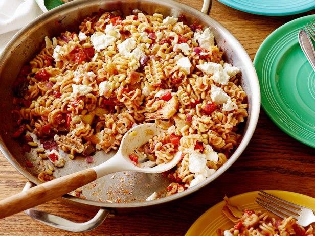 Фото Паста в томатном соусе «Из запасов кладовой»