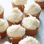 Кокосовые кексы с ванильным кремом
