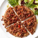 Пицца из питы с говядиной