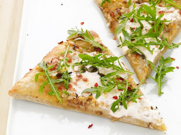 Пицца с белым соусом и вонголе