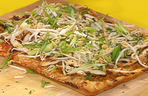 Пицца с курицей по-тайски