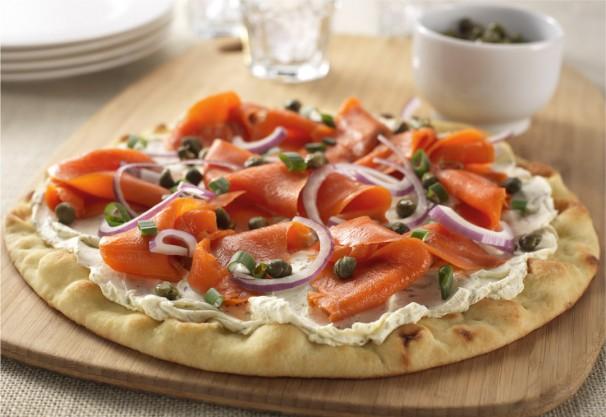 Фото Пицца с копченым лососем
