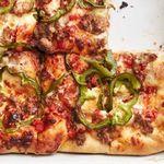 Пицца по-сицилийски с колбасой и перцем