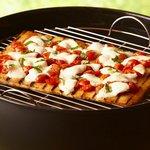 Пицца «Маргарита» с двумя сырами на гриле