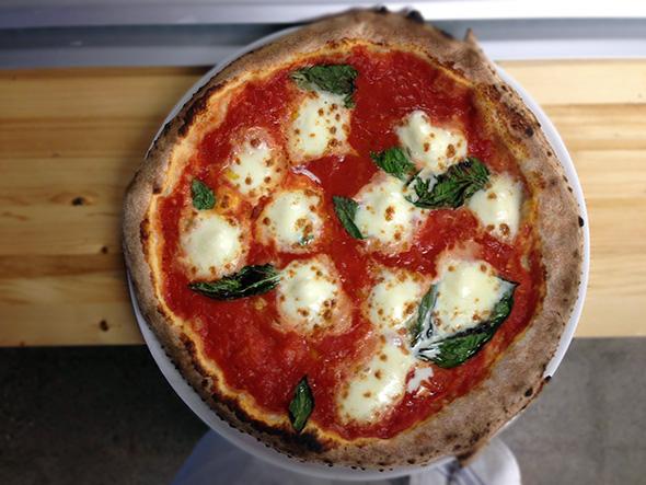 Традиционная пицца «Маргарита»